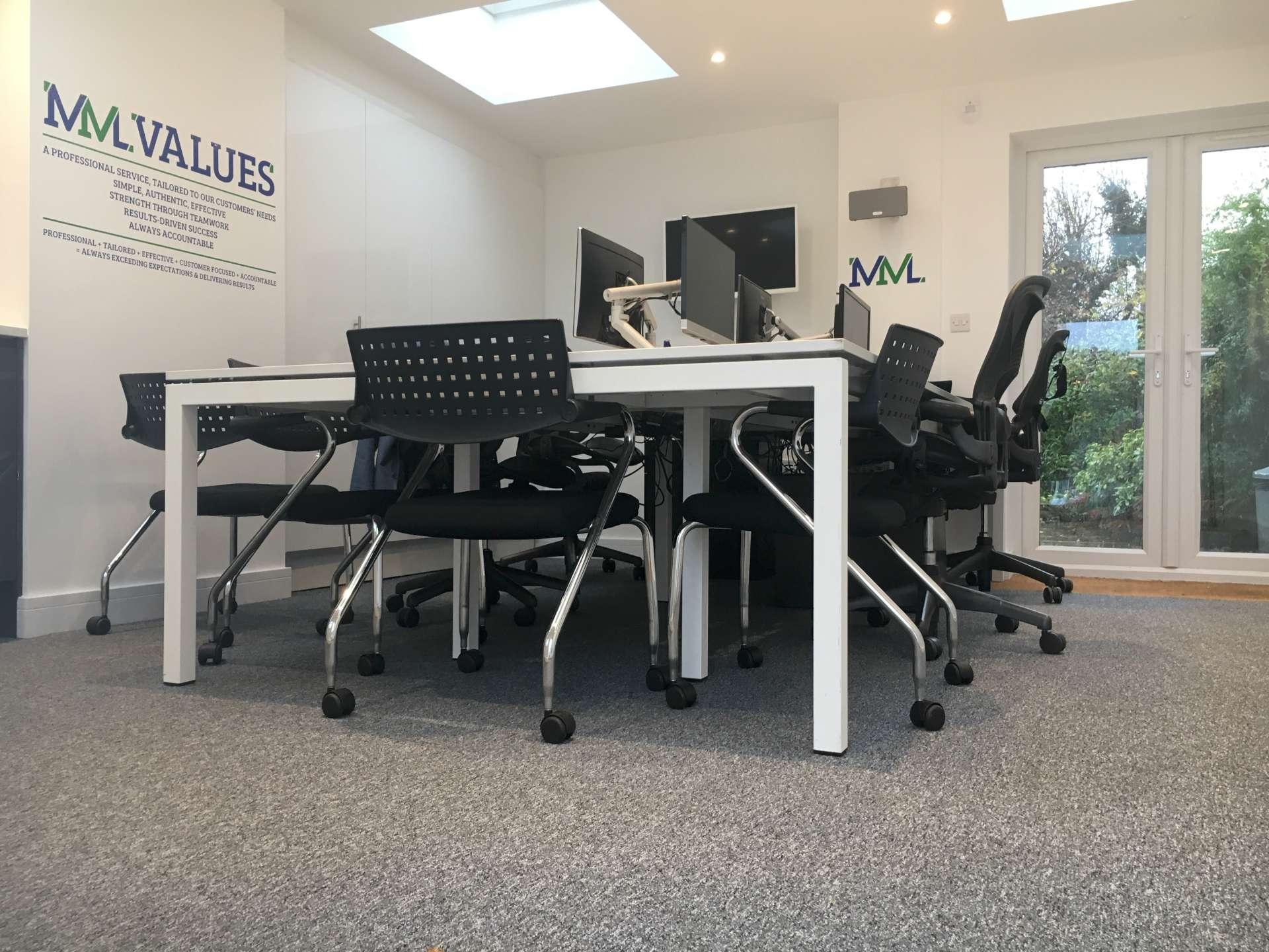 Carpet-Tiles-for-an-office-21920